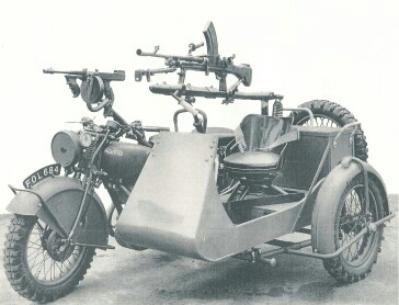 Norton Big 4 with tommy gun and machine gun