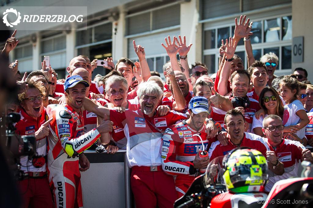 Team-Factory-Ducati-Austria-2016