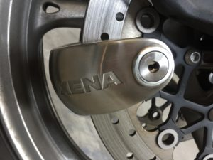 closeup of Xena rotor lock in use