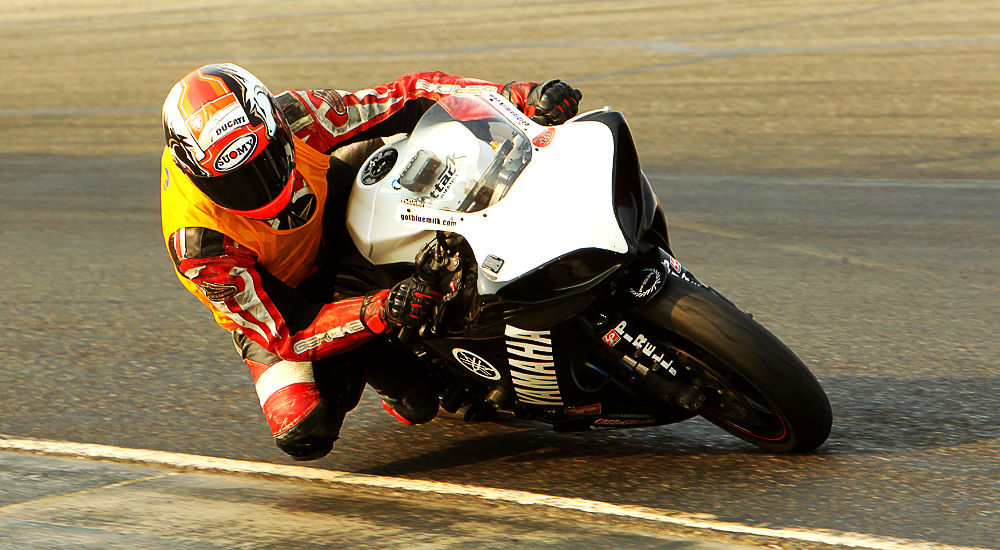 Racer Dennis Dumapias about to hit the apex of the turn
