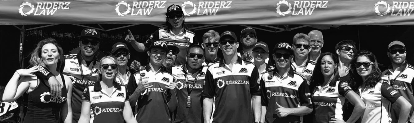 The whole RiderzLaw Racing Team 2018